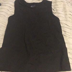 Gap black sleeveless shirt
